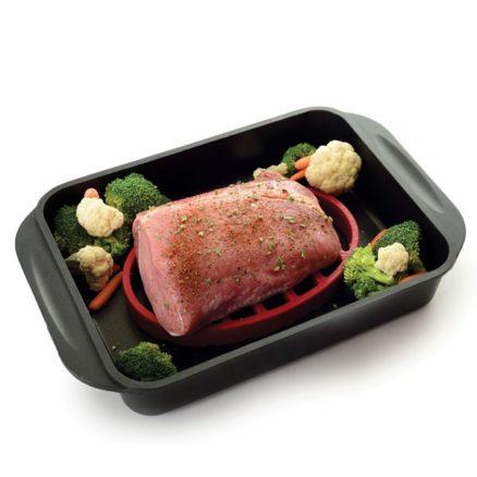 roast rack with pork in pan